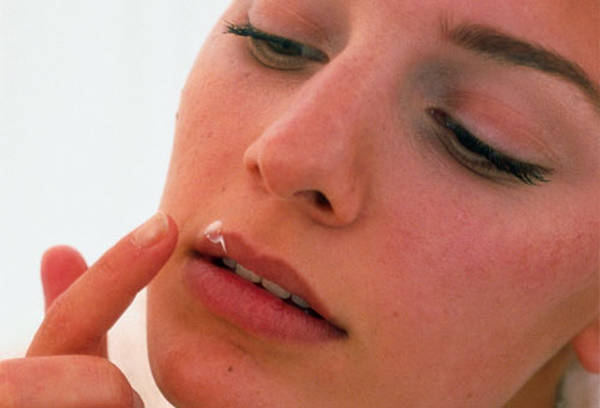 Answers to: Herpes on nose | Test & Recommendation